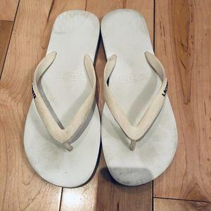 Laccost slippers